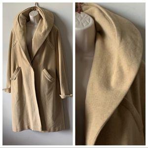 Jackets & Blazers - Vintage 50s tan oversized collar long wool coat